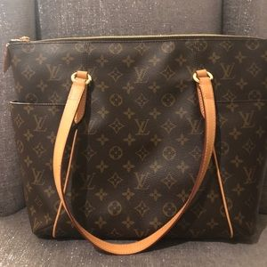 Louis Vuitton Totally MM (Authentic)